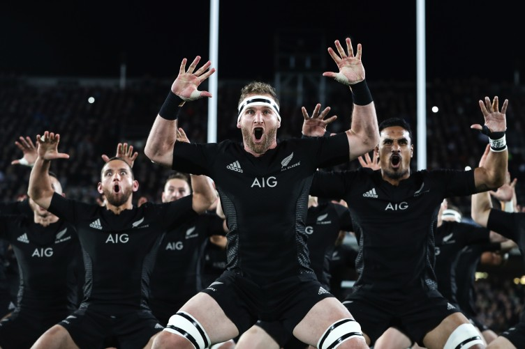 new-zealand-perform-the-haka-4-752x501
